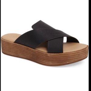 Coconut by Matisse platform sandals size 8.
